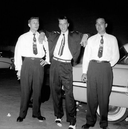 Scotty Moore, Elvis Presley et Bill Black en septembre 1954. Photo Scotty Moore.net